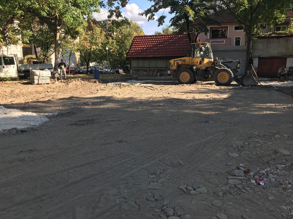 Нов паркинг и детска площадка на ул. Каменица