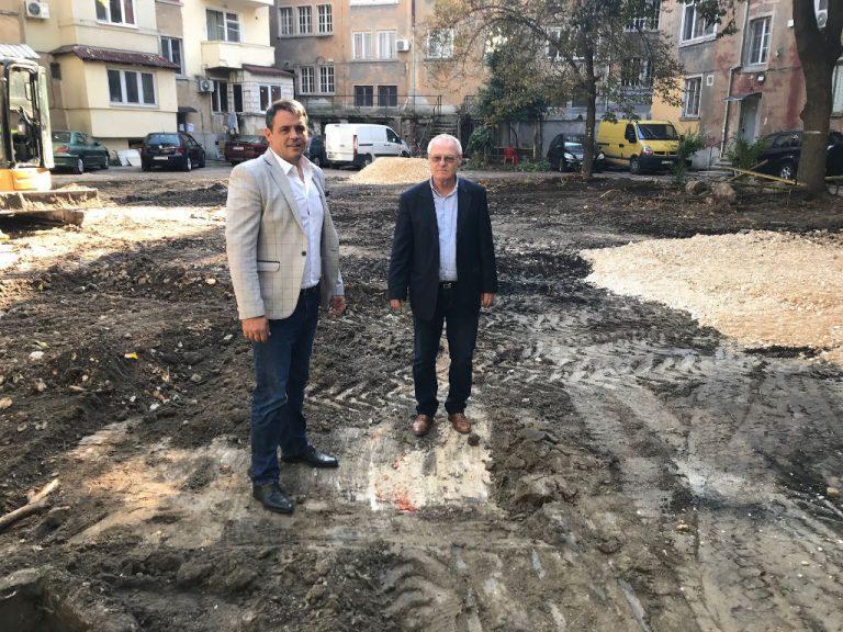 """Изграждат пореден паркинг по желание на жители на район """"Централен"""" Вх. поща"""