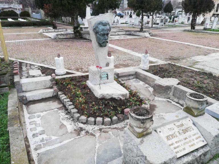 Поставиха възпоминателна скулптура на Йосиф Шнитер