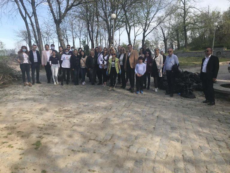 Над 100 доброволци се включват в облагородяването на Данов хълм